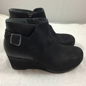 Dansko Shirley Ankle Boots 39 9 Suede Side Zip